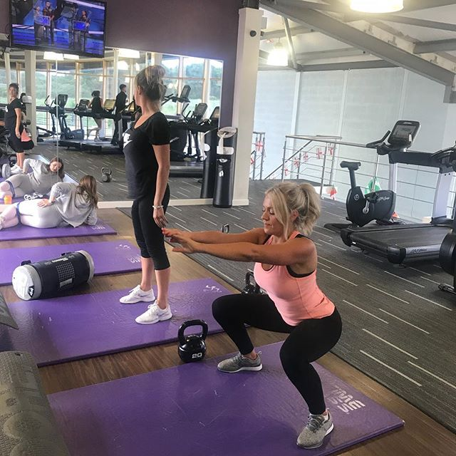 @charliex69x and Leanne smashing another workout! These girls work hard and have a laugh at the same time!  Here they are working on squats. Technique has been a key aspect of their training so far to ensure safety and efficiency. However they still work smash a tough circuit like the one they did here!  #fitfam #fitchick #fitchciks #gymgirl #gymgirls #fitfam #fitspiration #girlswholift #girlsthatlift #squats #squats  #booty🍑 #bootyfordays #bootybootybooty #fitspo