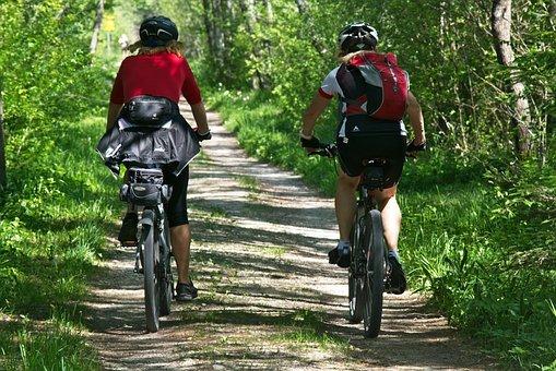 cycling-2520007__340.jpg