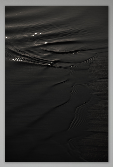 Tomomichi Morifuji,   The Surface of Black Water