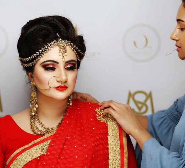 Red is the colour of love, rage and courage. Those who desire this colour are energetic, impulsive and strive for success... red is the colour of the a traditional bride. ——————————————————— BRIDAL SERVICES & TRAINING ACADEMY ***************************************** Taking bookings for one-to-one courses and 2019 brides. Contact for more information. ——————————————————— For bookings/ availability contact me on: 📩: info@saharamakeup.co.uk  Including the following details: * Date of event * Time to be ready for * Location of booking (Postcode) * Service's required (bridal or party) * Number of ladies (if more than 1) ——————————————————— #Makeupacademy #makeuptraining #makeupbrushes #makeupschool #bridalmakeup #weddingmakeup #trainingmakeup #asianmakeup #indianmakeup #school #training #brides #indianbridalcourses #bridalmakeupcourses #accreditedacademy