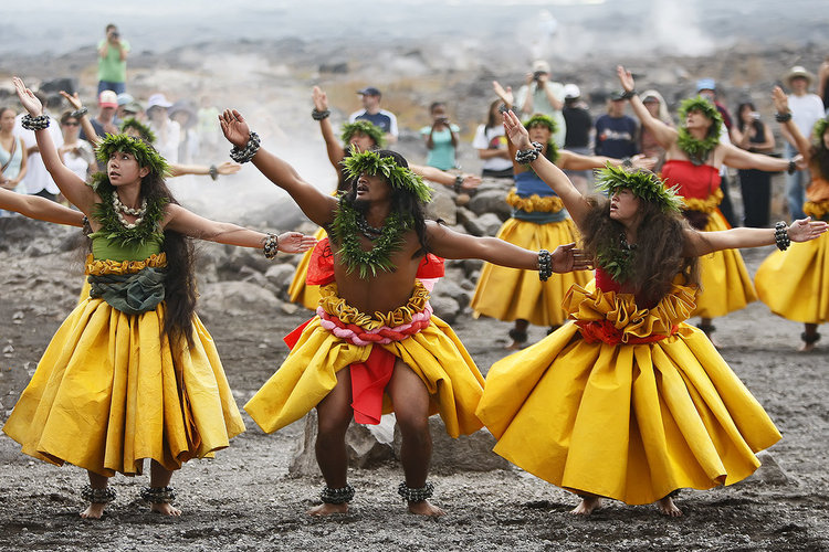 Hula: Hawaiian traditional dance