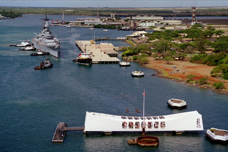 USS Arizona and the USS Missouri