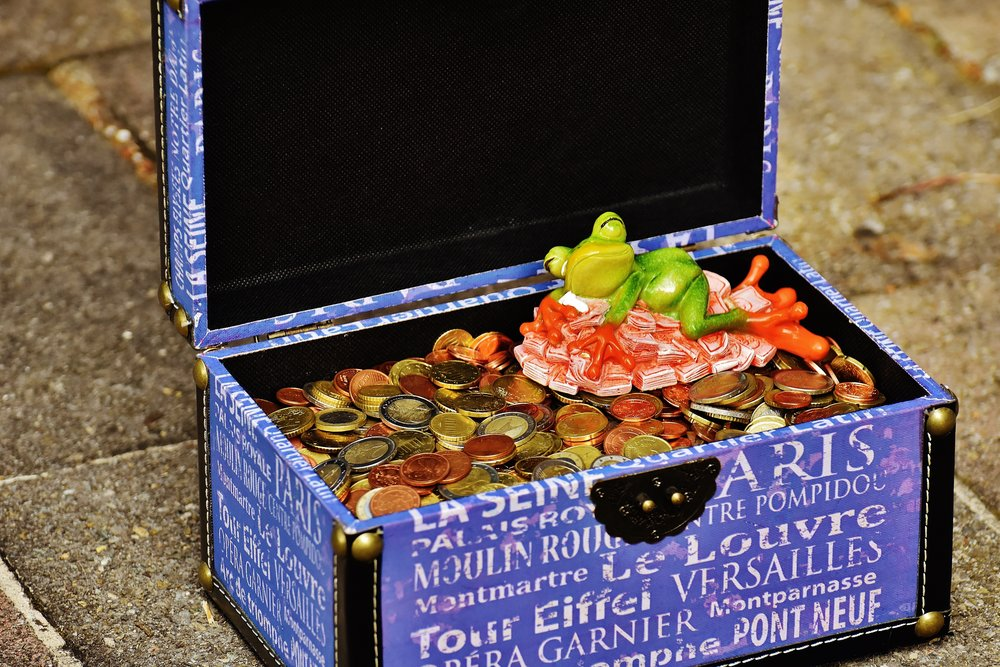 If you follow these budgeting guidelines for your next trip, you'll be as happy as this frog!