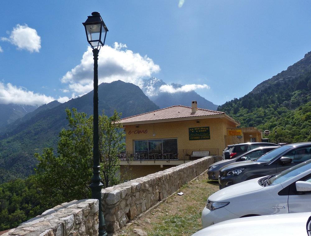Lunch stop in Asco