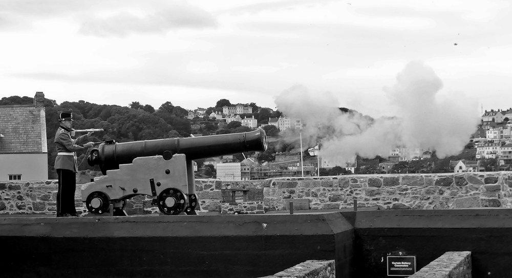 Firing the Noon-day Gun, Castle Cornet, Aug 17