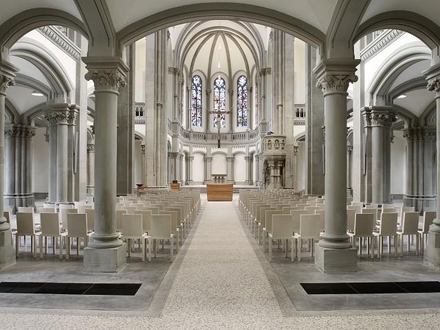 Matthauskirche Stuttgart interior.jpg