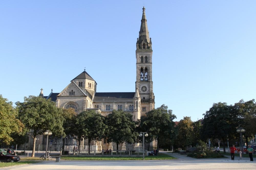 Matthauskirche Stuttgart exterior.jpg