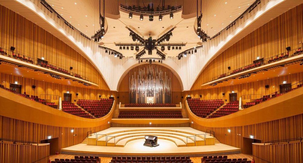 lotte concert hall 1.jpg