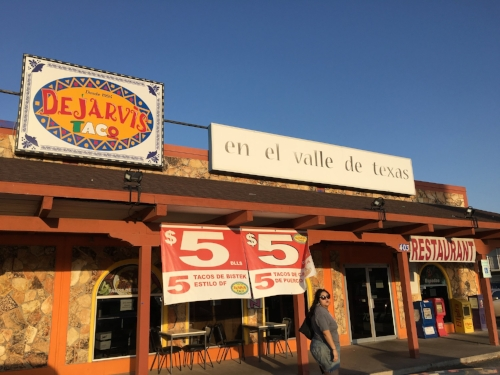 Erika leads me to  Dejarvis Taco  en el Valle de Texas.My life has never been the same since I ate those unforgettable entomatadas.
