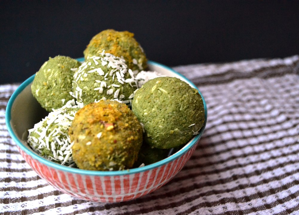 Matcha Coconut protein balls | The Flourishing Pantry | yeast free diet