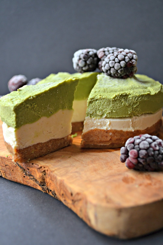 Matcha lemon cheesecake | The Flourishing Pantry | yeast free diet blog