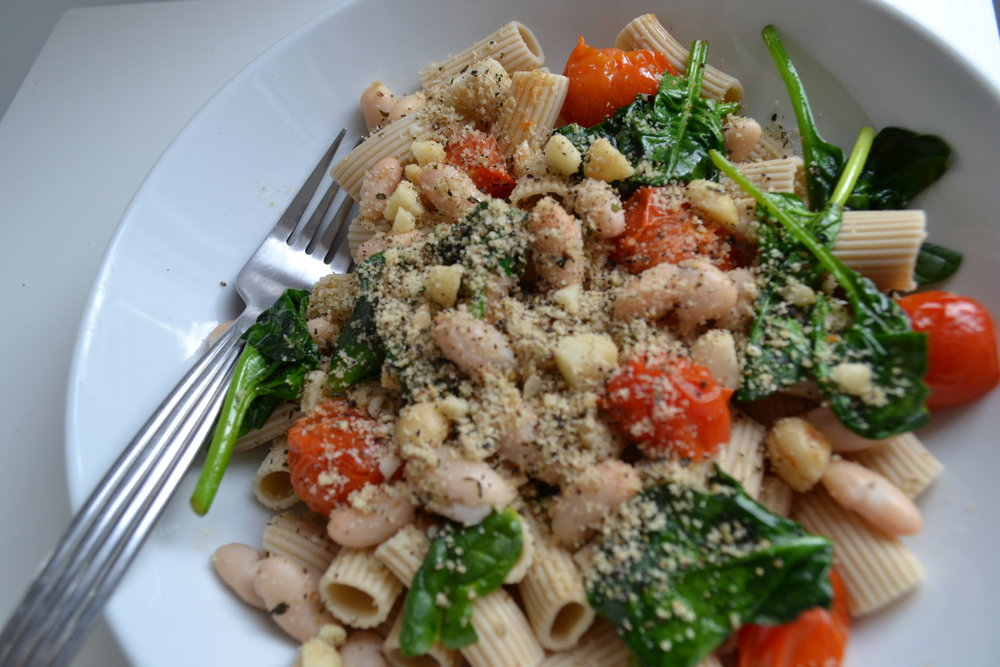 Here's a vegan meal I rustled up months ago... sesame pasta with spinach, tomatoes and dukka
