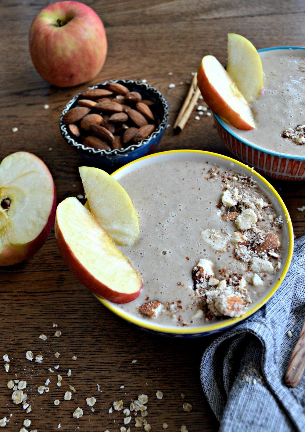 Apple pie smoothie recipe | The Flourishing Pantry