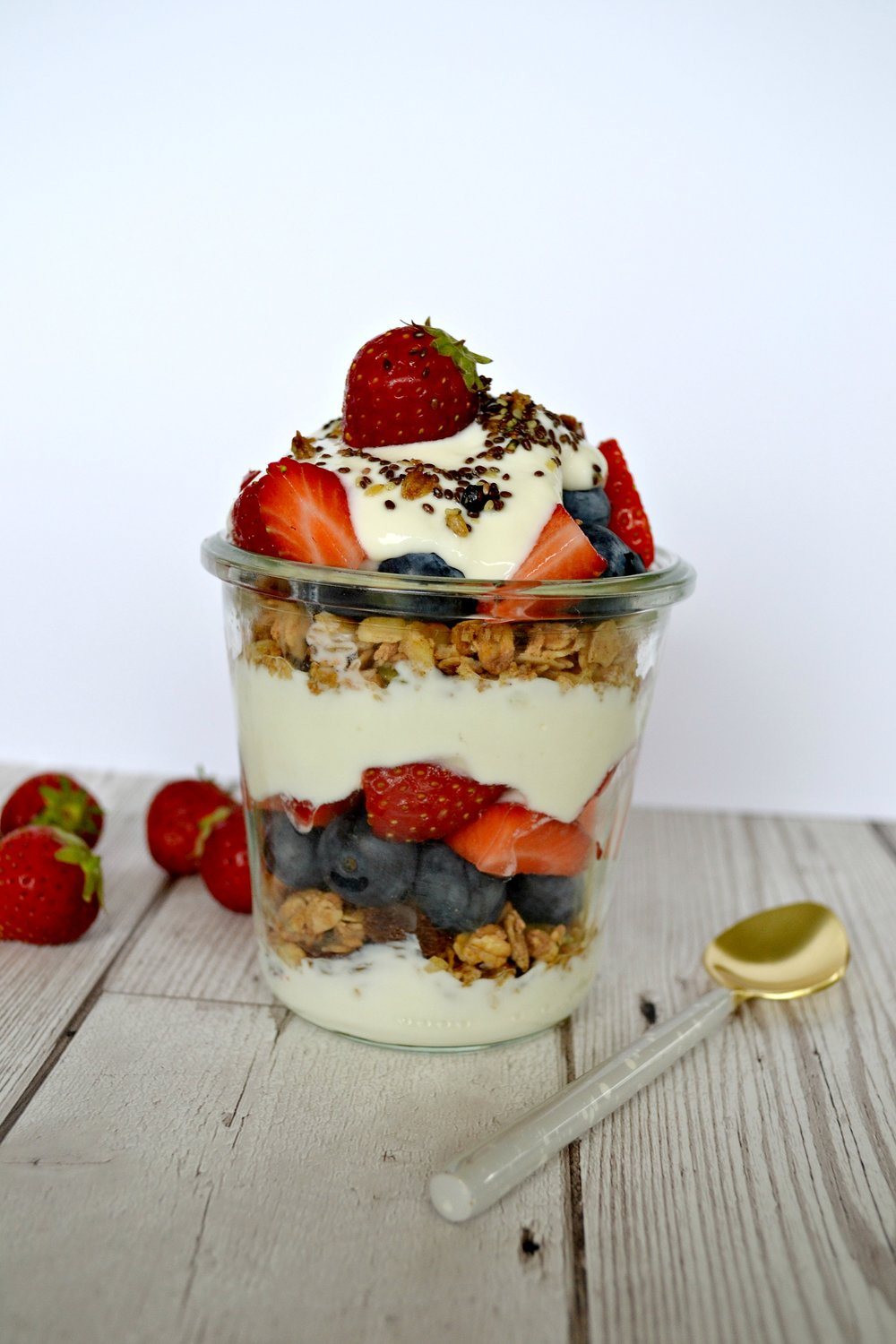 Layered breakfast yoghurt and granola pots | The Flourishing Pantry | healthy eating blog