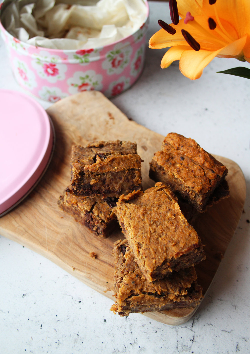 Chocolate and cashew blondies | The Flourishing Pantry