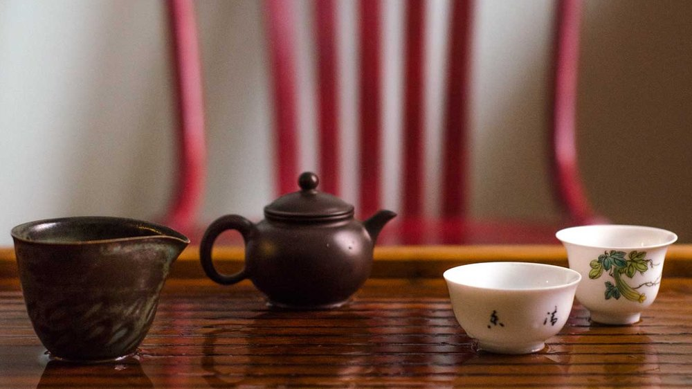 taiwanese-brown-clay-teapot_atmospheric.jpg