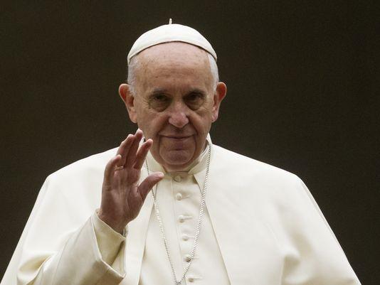 635795828625166197-AP-Vatican-Pope-Synod.jpg