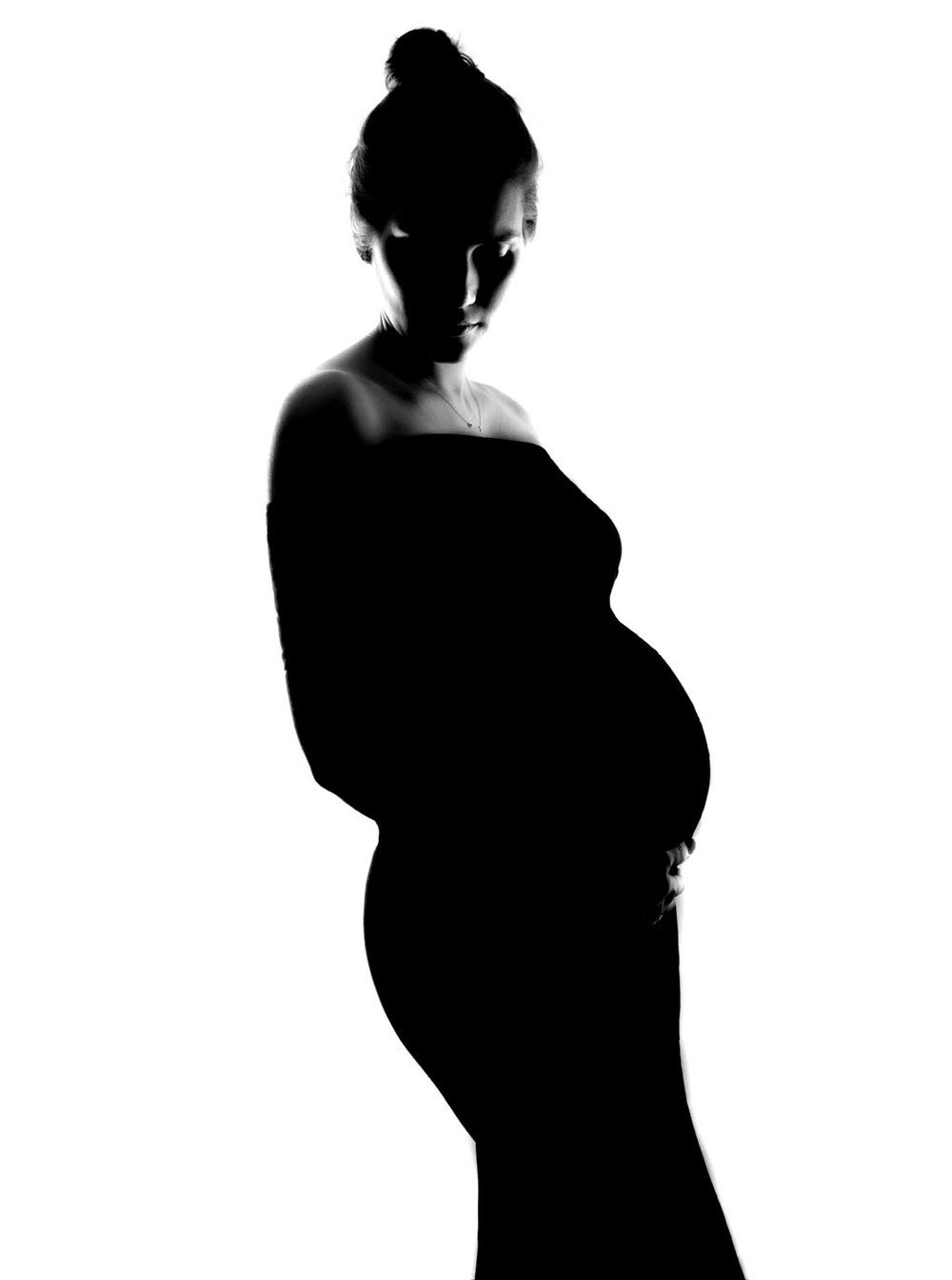 simple maternity portrait