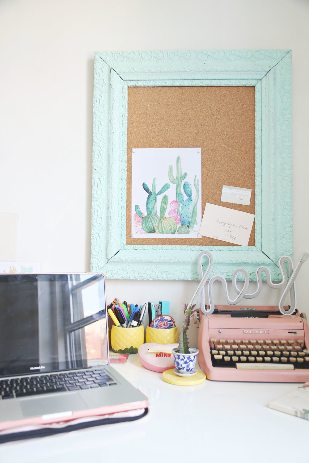 Sunday Kind of Love | ARSENIC-LACE.COM | DIY Bulletin Board | Workspace