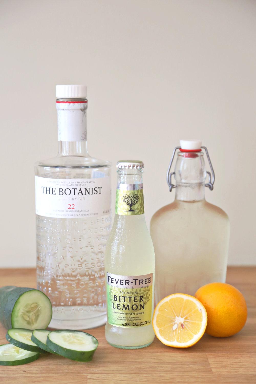 Cucumber Lemongrass Gin & Tonics | ARSENIC-LACE.COM | Summer Cocktails | Click for recipe
