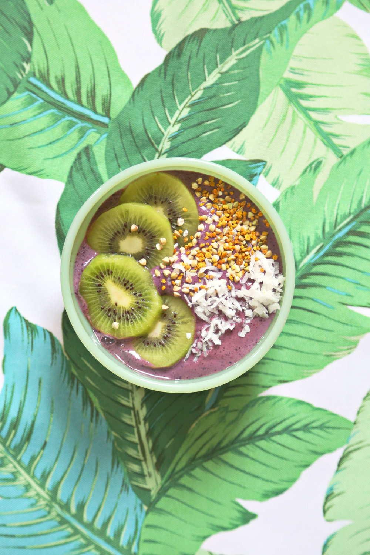 Blackberry Banana Smoothie Bowl | ARSENIC-LACE.COM | Sunday Kind of Love