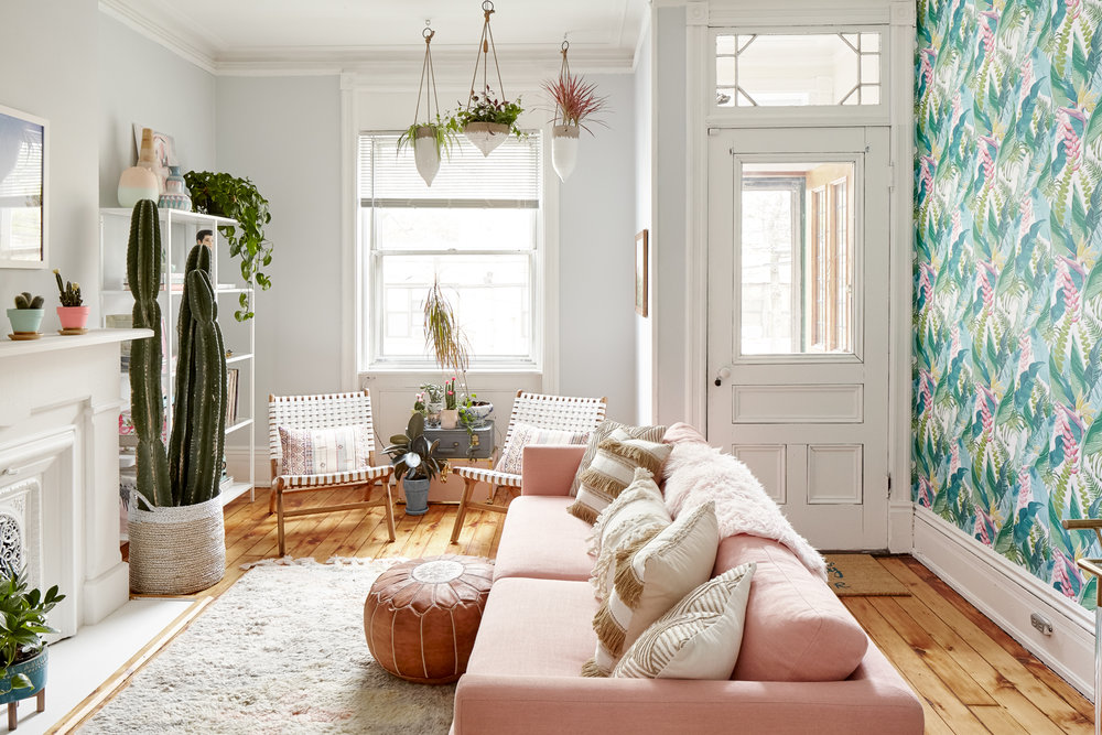 Palm Springs Inspired Living Room | ARSENIC-LACE.COM | Sunday Kind of Love | The Everygirl | Home Decor