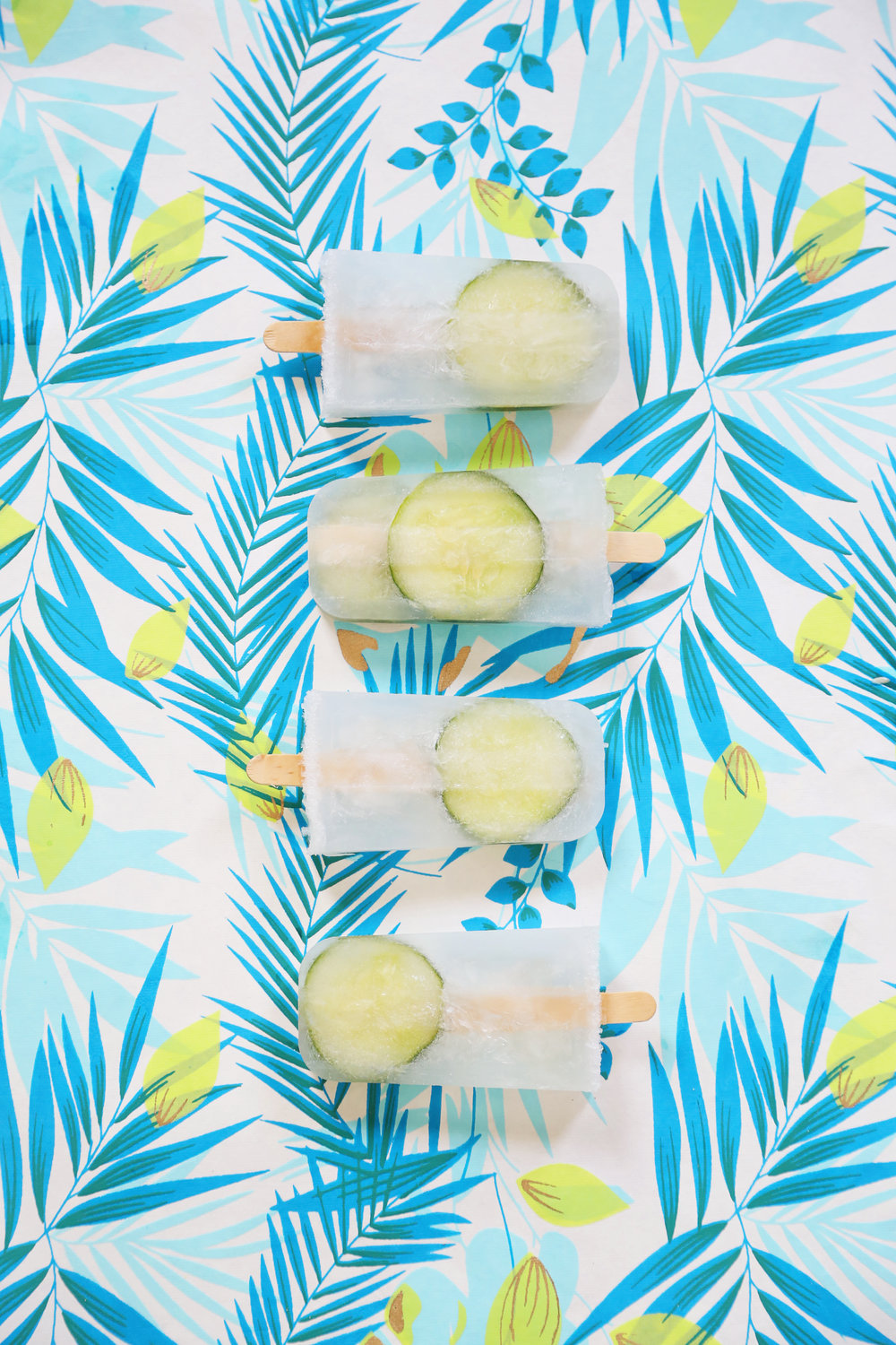 Gin & Tonic Popsicles | ARSENIC-LACE.COM | Sunday Kind of Love