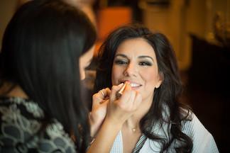 Blushing bride www.avenueievents.com.JPG