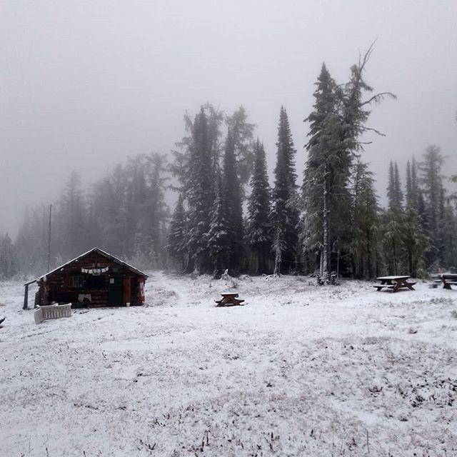 Good morning, old man winter. #dianalake #dianalakelodge #mybcbackcountry #hellobc #explorebc #kootenaylife #winteriscoming