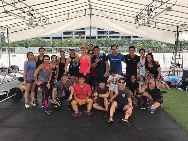 CFBT had a blast @fitnessfestsg!!! . Thanks @lukeleeofficial for emceeing for us. . Thanks to our very very fabulous and awesome members who volunteered their time to help out at the event. WELL DONE CFBT!! . Back to business tomorrow! Last week of strength cycle. Can't wait!