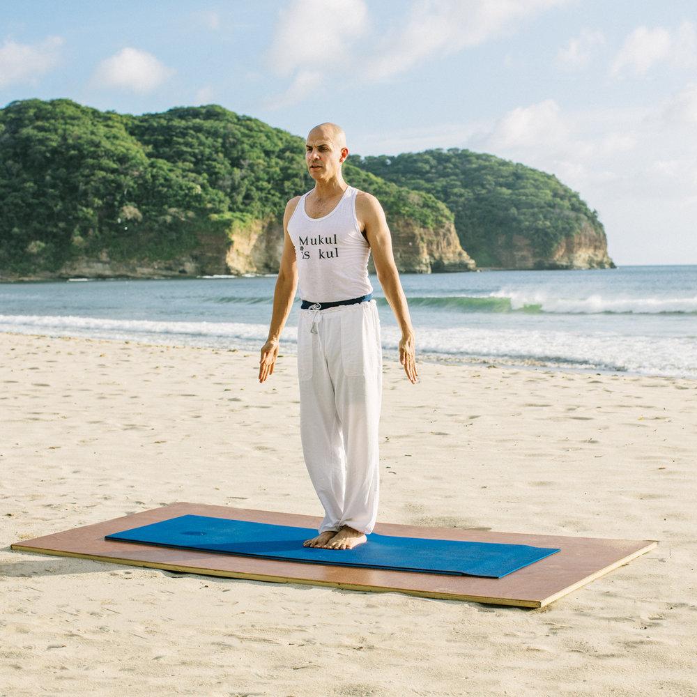 Mukul-Yoga-Juan Carlos