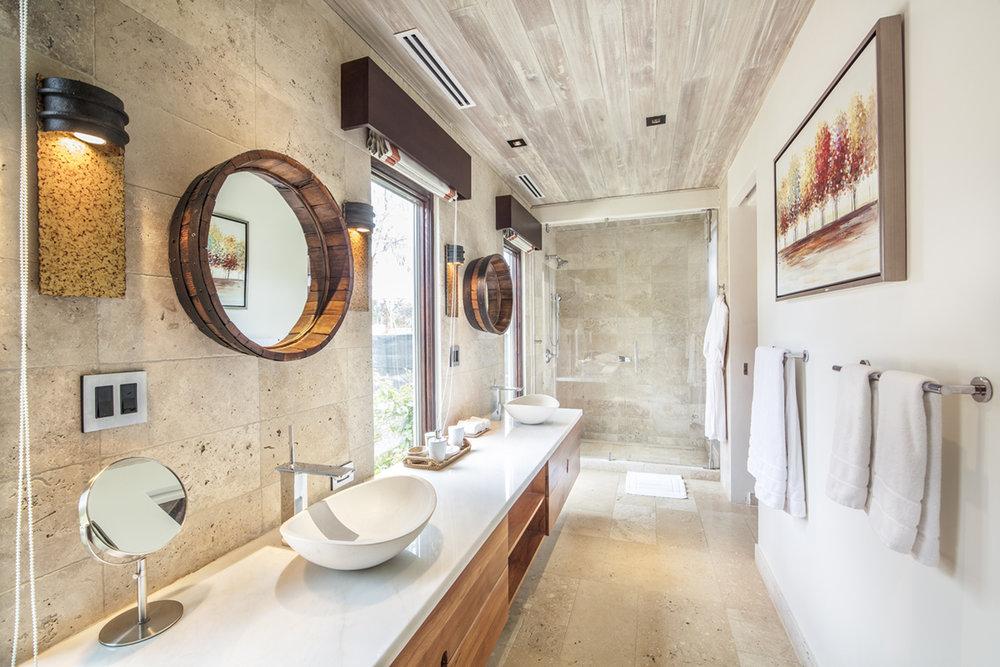 Casa Maderas - Bathroom.jpg