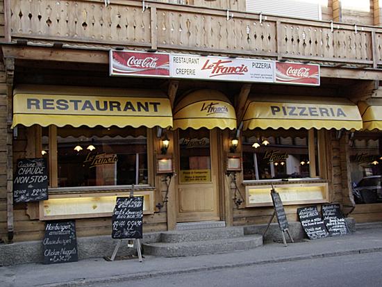 Le Francis Café, restaurant au centre de la station. Le Francis fait de la cuisine variée (crêpes, pizza, pâtes, salade,.poisson, viande..) Livraison à domicile, cuisine sur-place ou à l'emporter. Ouvert 7 jours sur 7 N° téléphone : + 41 24 495 12 46