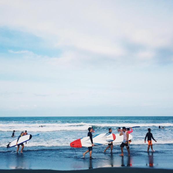 3:30 PM SURF LESSONS AT SABANG BEACH  Photo by @ neomark