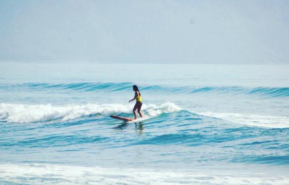 7:30 AM SURF AT SABANG BEACH (AGAIN!)  Photo by @ taraibamit
