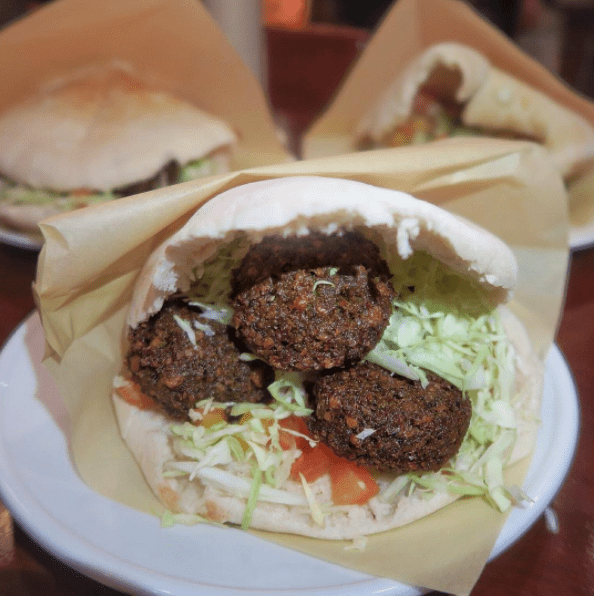 BENI'S FALAFEL  Photo by @ mikicheeky