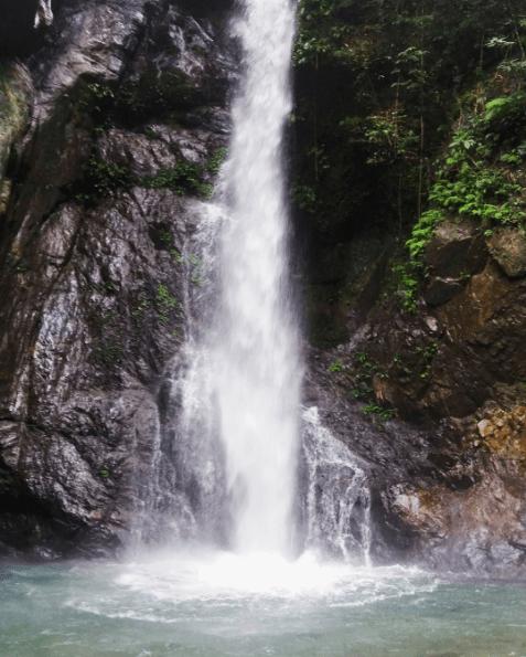 DITUMABO FALLS (OR MOTHER FALLS)  Photo by @ pinayblank