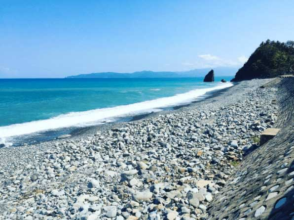 AMPERE BEACH  Photo by @ dretanjangco