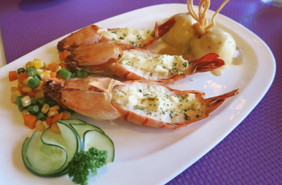 Where to eat in Baguio - Sage Baguio (baked prawns)