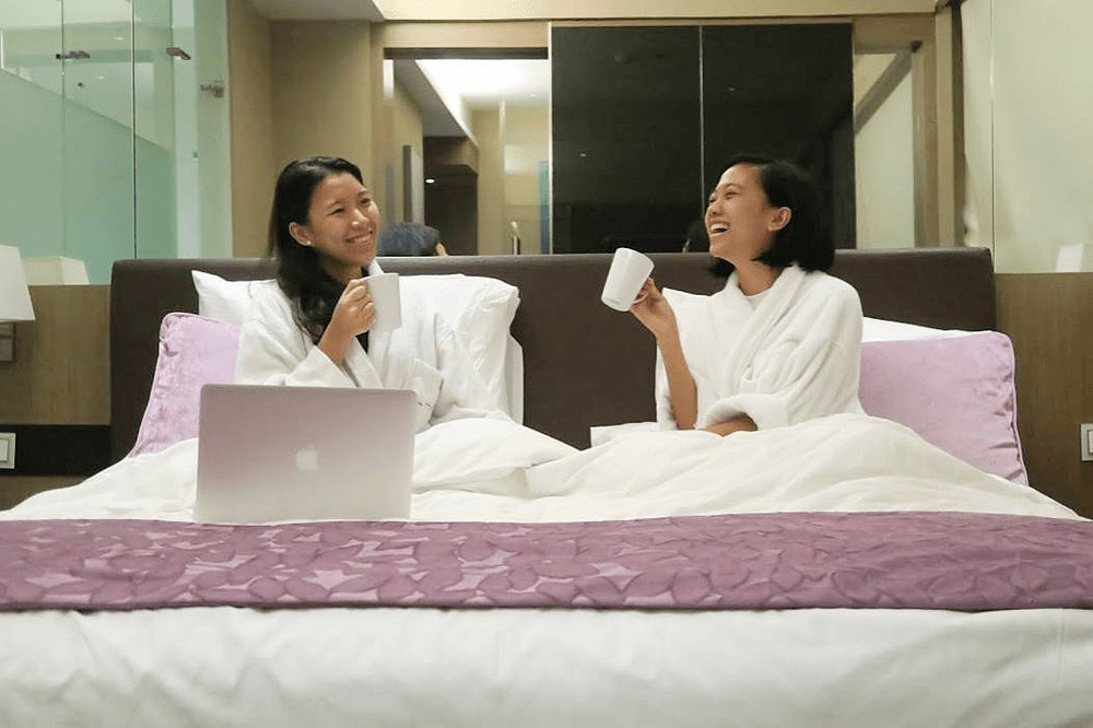 Hotel H2O Girls Staycation (Premiere Classic Aqua Room)