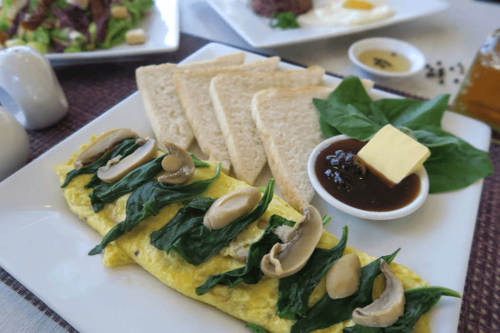 Where to eat in Baguio - Everything Nice (spinach mushroom omelette)