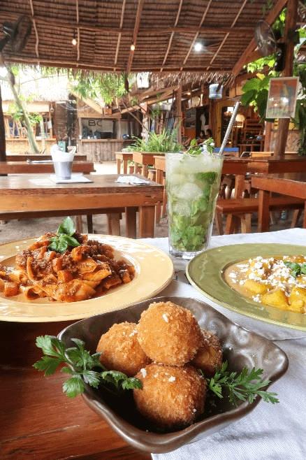 Siargao Restaurants - La Carinderia