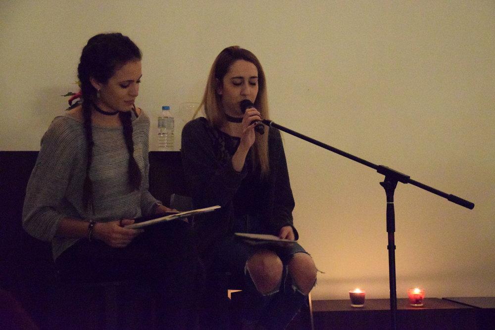 Lectura de poemas, Monica Caey Meer Versa