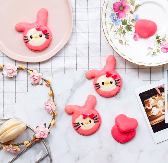 💕hello kit  ty macaron💕  Have a wonderful Valentine's Day lovers.