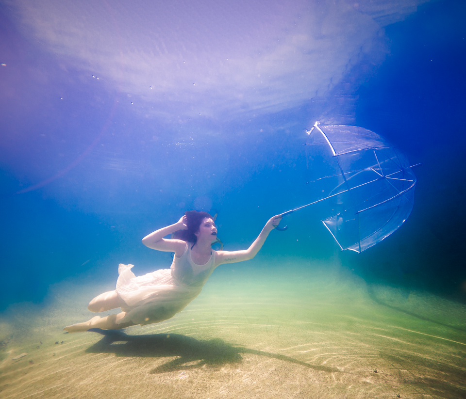 Underwater photography session with Andrew Ybanez - Phoenix AZ   https://www.elementalfotos.com/underwater-sessions/           https://www.elementalfotos.com/underwater-sessions/           https://www.elementalfotos.com/underwater-sessions/