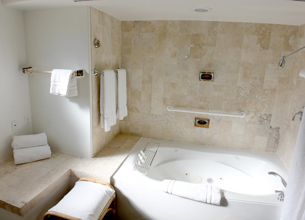 19-bathroom-02.jpg