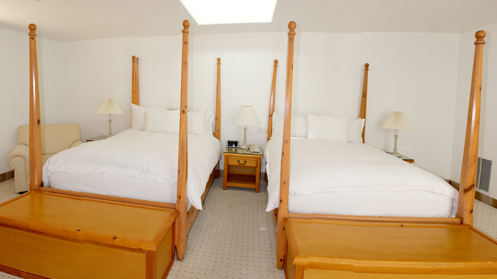 Grand 2 Bedroom Suite With 4 Queen Beds