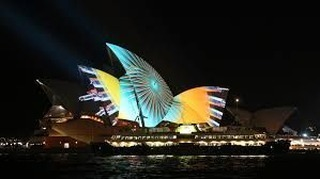 Vivid Sydney is coming very soon, and what better way to warm up your winter than with a running tour exploring the history and sights with Sydney all lit up!  Limited dates check out our website for more! • • • • • #running #run #runner #marathon #runners #runhappy #marathontraining #instarunners #instarun #halfmarathon #sydney #australia #trailrunning #instarunner #runnerscommunity #trailrun #happyrunner #runtoinspire #runchat #runitfast #ilovesydney #time2run #correr #furtherfasterstronger #sydneylocal #seenonmyrun #trailrunner #travelling #sydneyeats #sydneyinstarunners