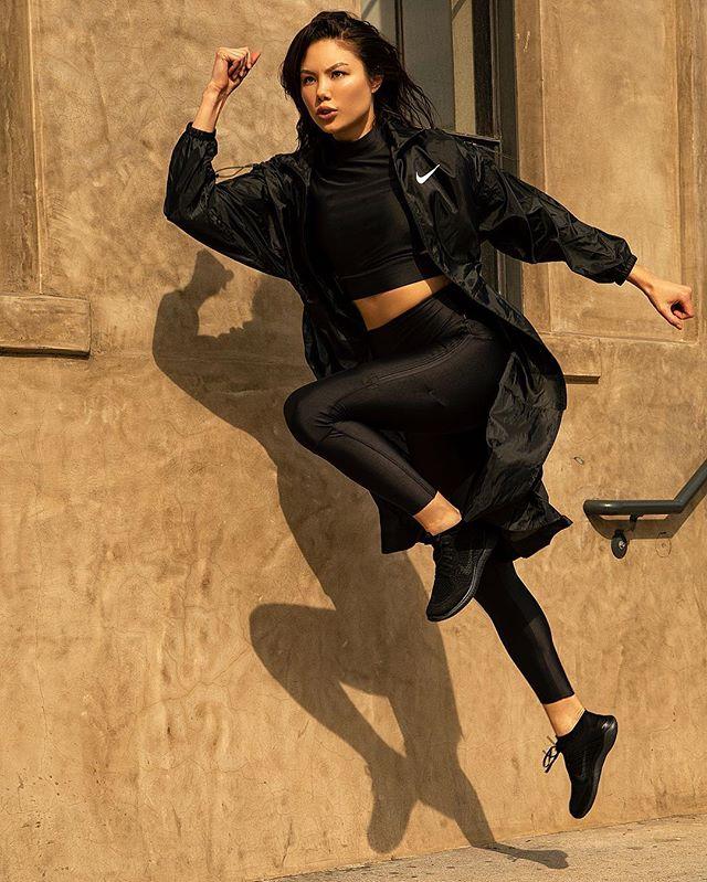 @adelinanovak gettin active in her @nike . . . . . . #nike #nikerunning #nikewomen #fitgirl #running #fitness #nikejacket #active #lamodels #nikela