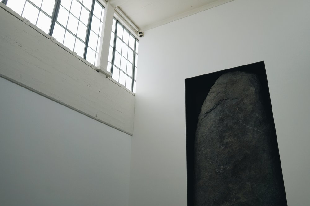 Michael Heizer,  Negative Megalith #5